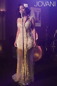 Celebrity v šatech Jovani K. Michelle v Jovani 21660