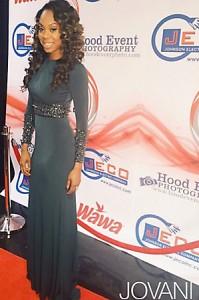 Celebrity v šatech Jovani Sanya Richards Ross v Jovani 93789