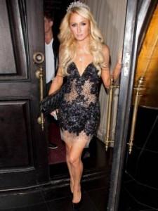 Celebrity v šatech Jovani Paris Hilton v Jovani 14338
