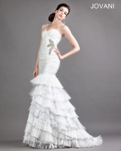 Svatební šaty Jovani 688