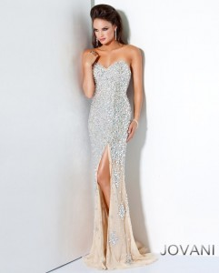 Plesové  šaty  skladem Jovani 4247