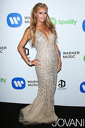 Celebrity v šatech jovaninezařazešatyo Paris Hilton v Jovani 20736